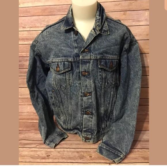 490b0c2cbe Vintage 80's Men's Large Denim Jacket Blue Jean. M_5a6812458df470321ef51de8